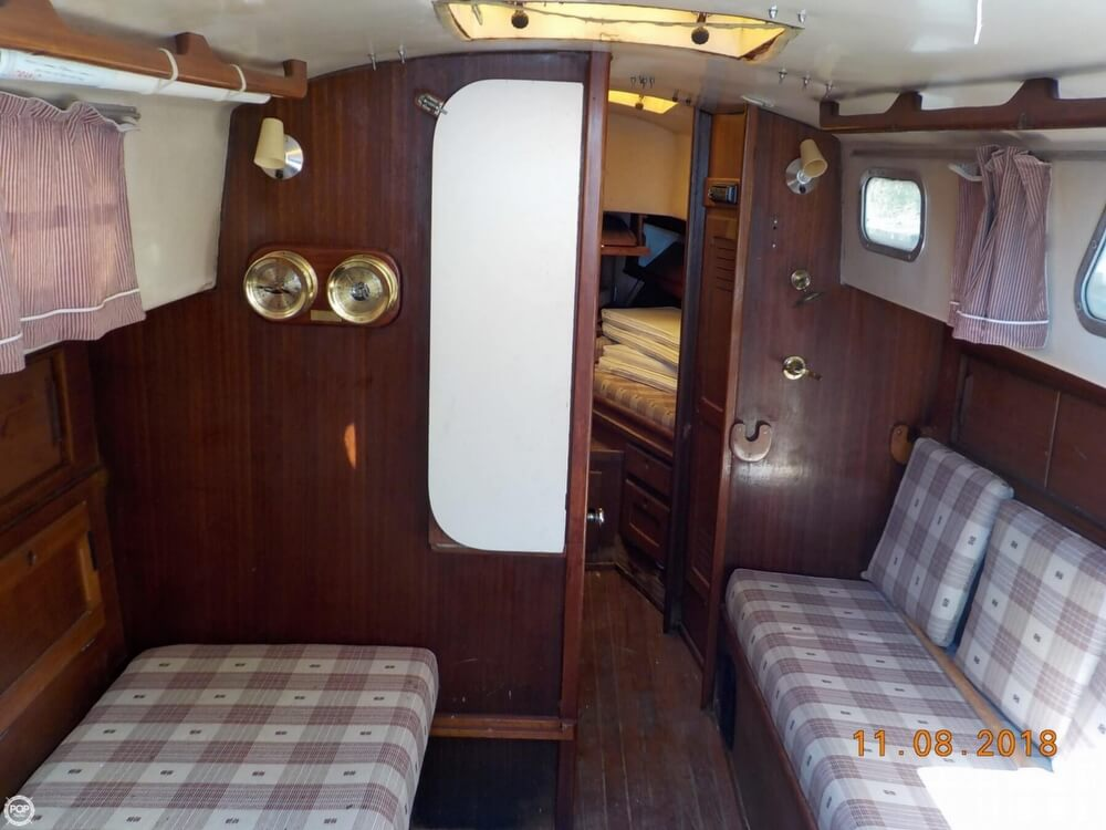 1976 Bristol boat for sale, model of the boat is 32 & Image # 22 of 40