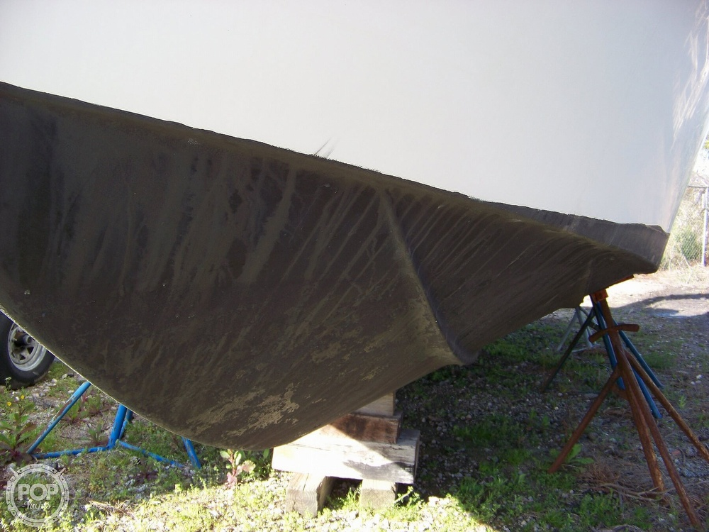 2000 Maxum boat for sale, model of the boat is 3000 SCR & Image # 5 of 41