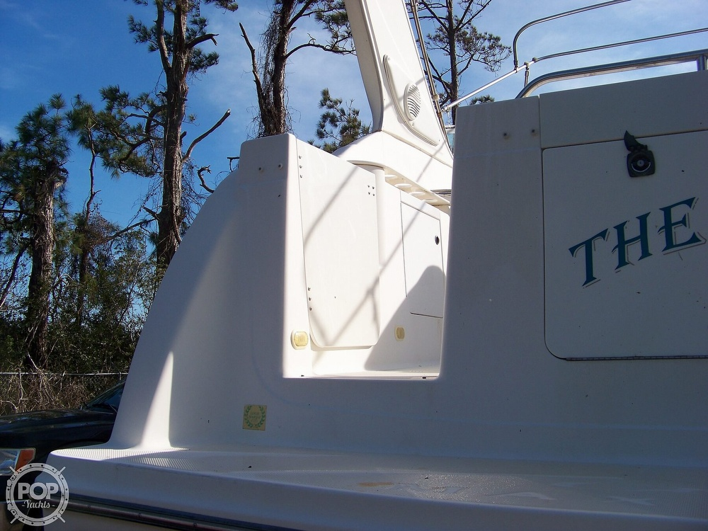 2000 Maxum boat for sale, model of the boat is 3000 SCR & Image # 14 of 41