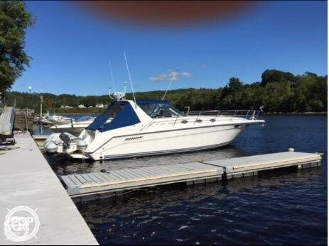 1994 Sea Ray boat for sale, model of the boat is 37 Express Cruiser & Image # 19 of 33
