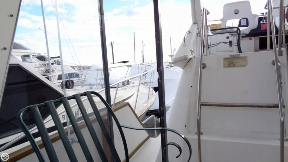 1989 Sea Ray boat for sale, model of the boat is 38AC & Image # 15 of 40