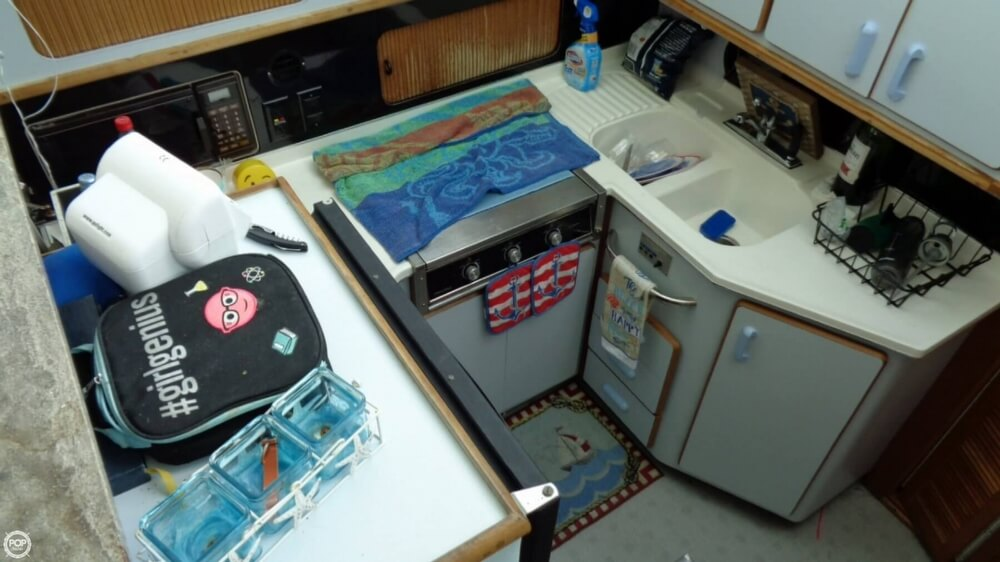 1989 Sea Ray boat for sale, model of the boat is 38AC & Image # 37 of 40