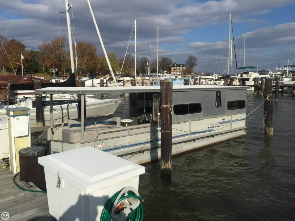1993 Tracker Boats boat for sale, model of the boat is PartyHut30 & Image # 3 of 41