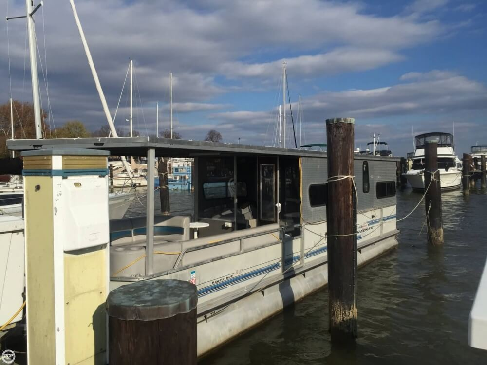1993 Tracker Boats boat for sale, model of the boat is PartyHut30 & Image # 4 of 41