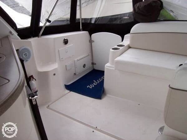 2006 Rinker 342 Cruiser - image 20