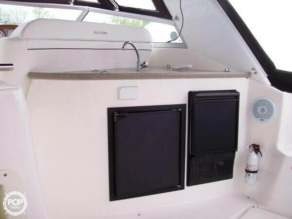 2006 Rinker 342 Cruiser - image 3