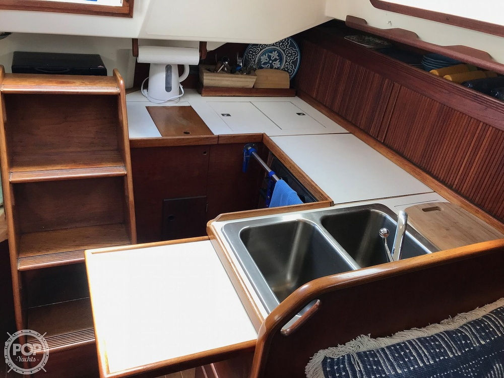 1987 Sabre boat for sale, model of the boat is 34-2 & Image # 4 of 40