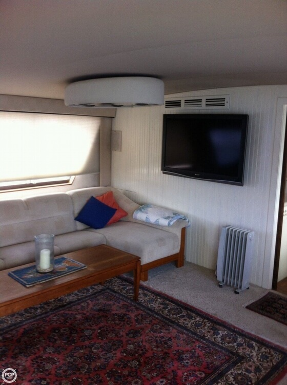 1985 Hatteras boat for sale, model of the boat is 80 CPMY & Image # 7 of 40