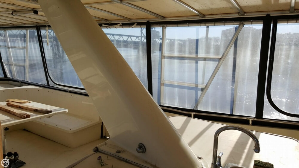 1985 Hatteras boat for sale, model of the boat is 80 CPMY & Image # 33 of 40