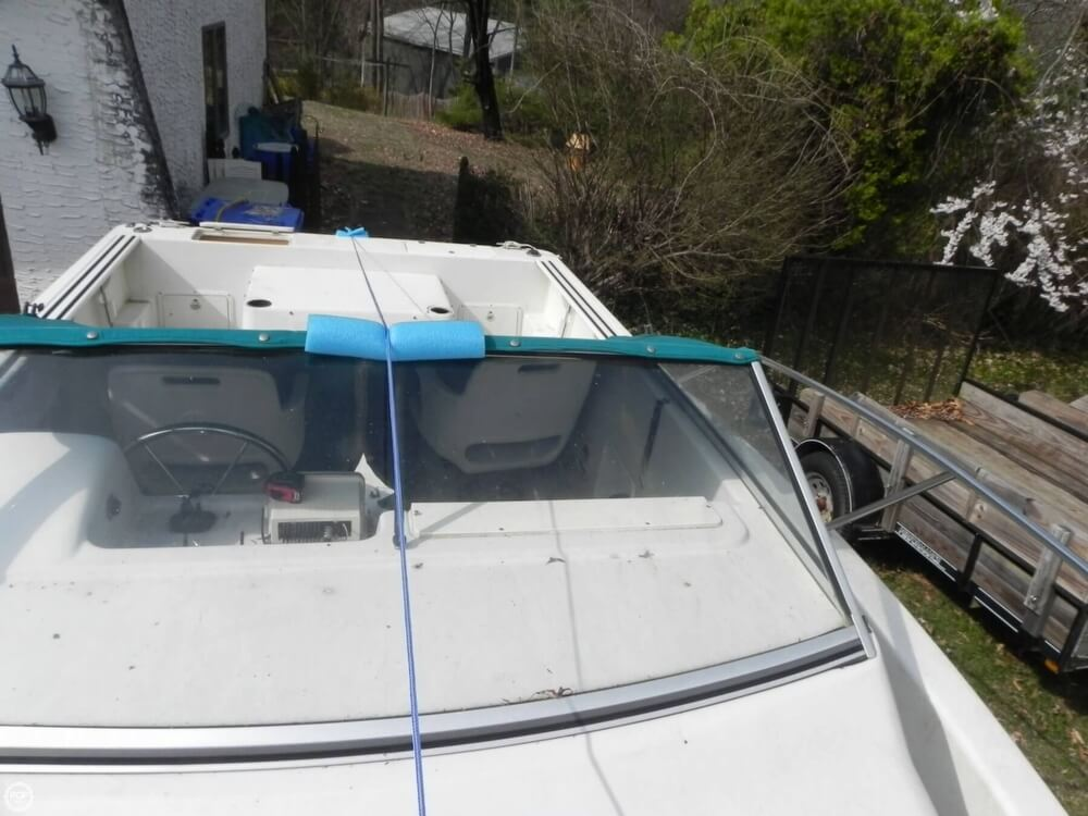 1997 Pro-Line boat for sale, model of the boat is 201 Walkaround & Image # 13 of 40