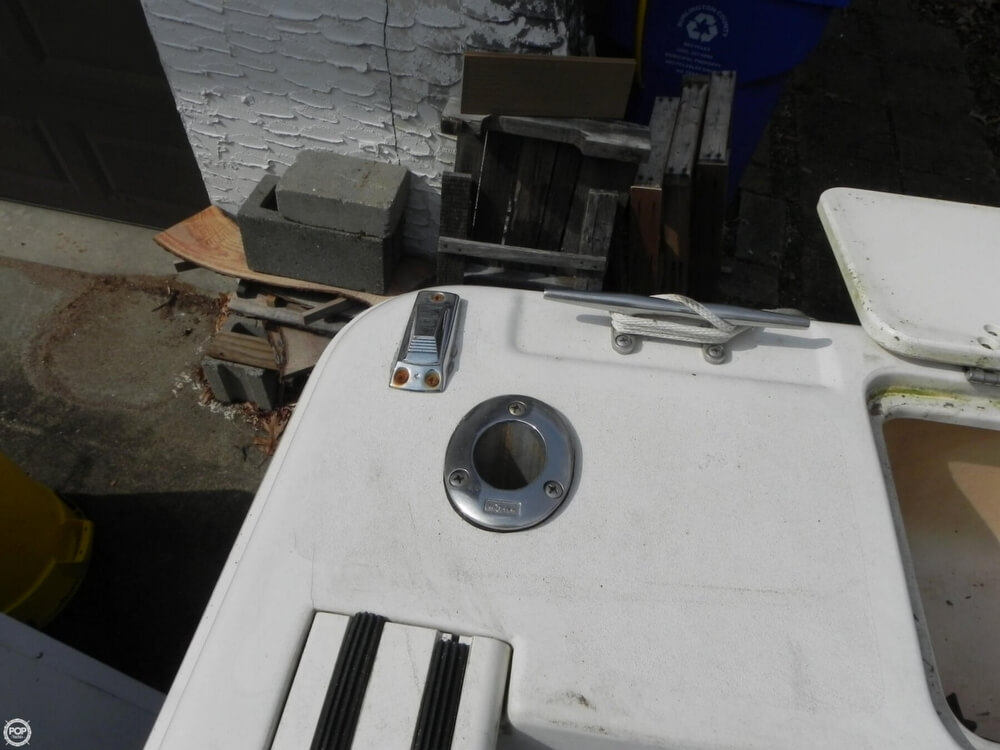 1997 Pro-Line boat for sale, model of the boat is 201 Walkaround & Image # 27 of 40
