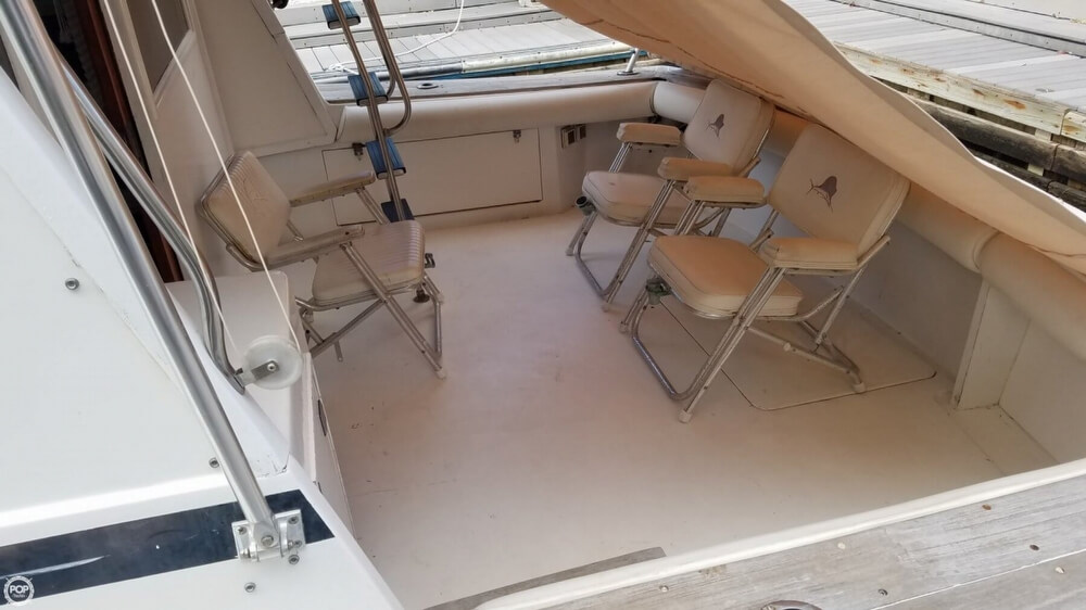 1986 Egg Harbor boat for sale, model of the boat is 33 & Image # 23 of 40
