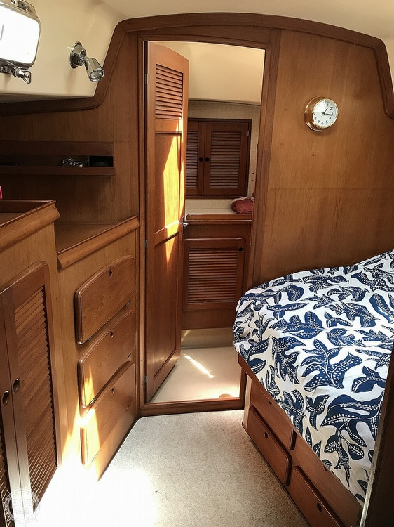 1988 Island Packet boat for sale, model of the boat is 38 & Image # 5 of 40