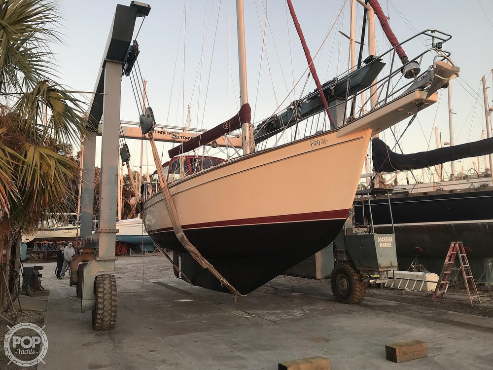 1988 Island Packet boat for sale, model of the boat is 38 & Image # 9 of 40