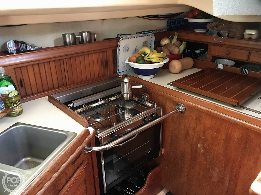 1988 Island Packet boat for sale, model of the boat is 38 & Image # 12 of 40