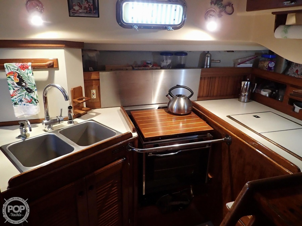1988 Island Packet boat for sale, model of the boat is 38 & Image # 13 of 40