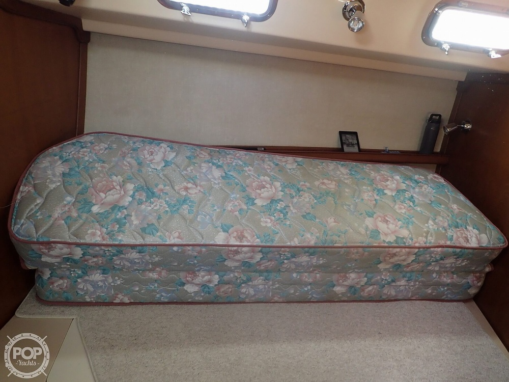 1988 Island Packet boat for sale, model of the boat is 38 & Image # 20 of 40