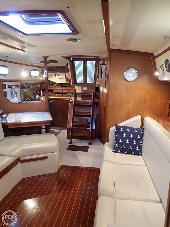 1988 Island Packet boat for sale, model of the boat is 38 & Image # 24 of 40