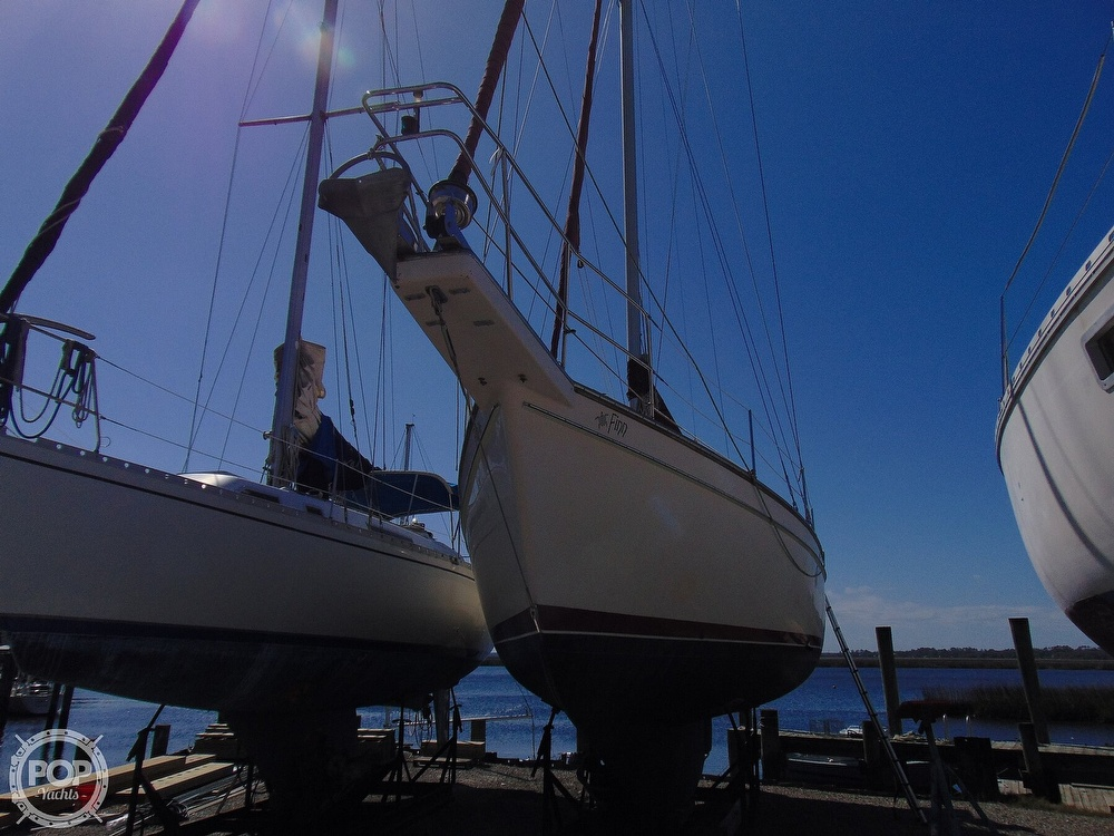 1988 Island Packet boat for sale, model of the boat is 38 & Image # 37 of 40