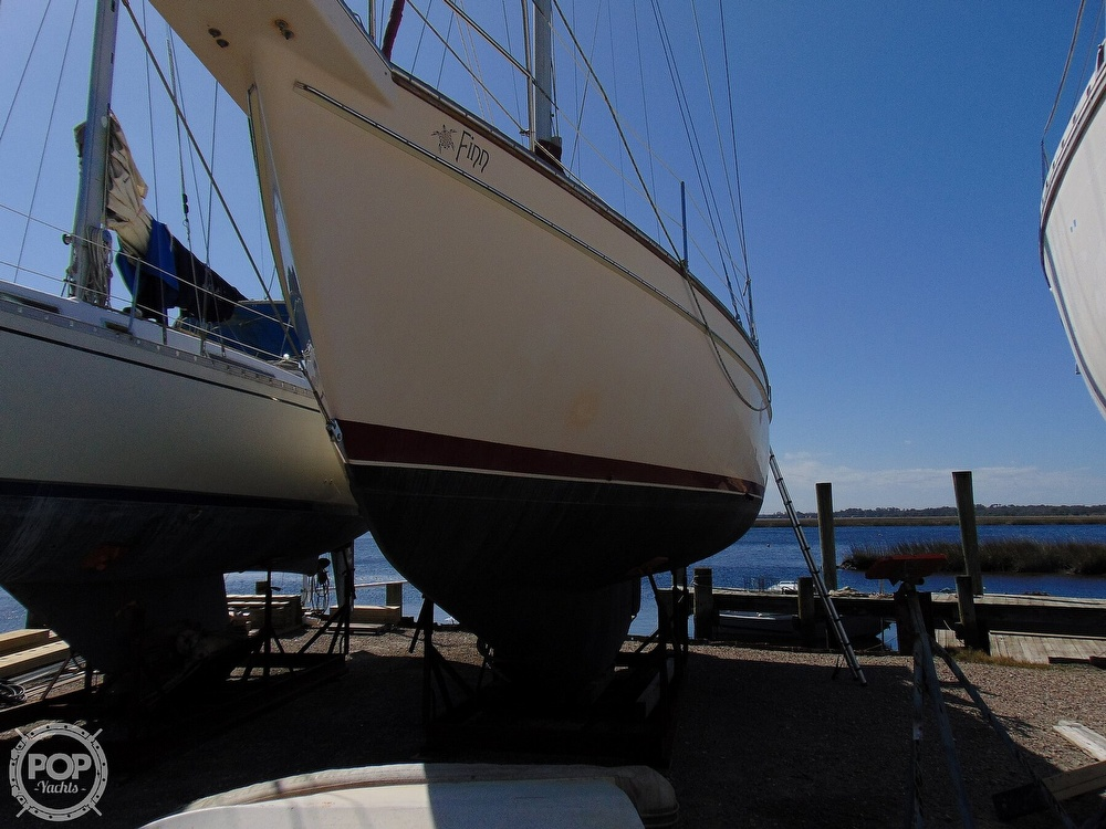 1988 Island Packet boat for sale, model of the boat is 38 & Image # 38 of 40
