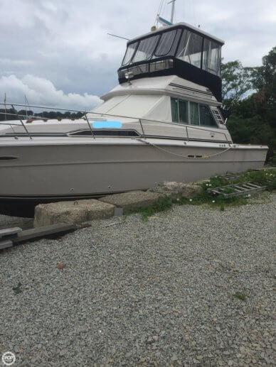 Sea Ray 390 SRV, 39', for sale - $35,500