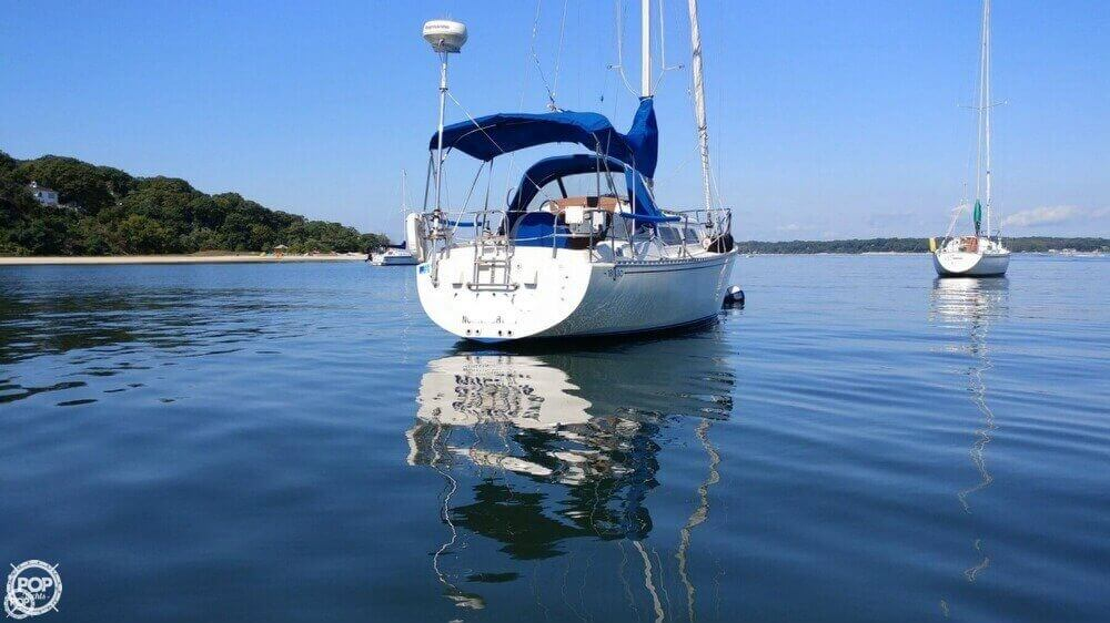 1983 Islander boat for sale, model of the boat is Bahama 30 & Image # 4 of 28