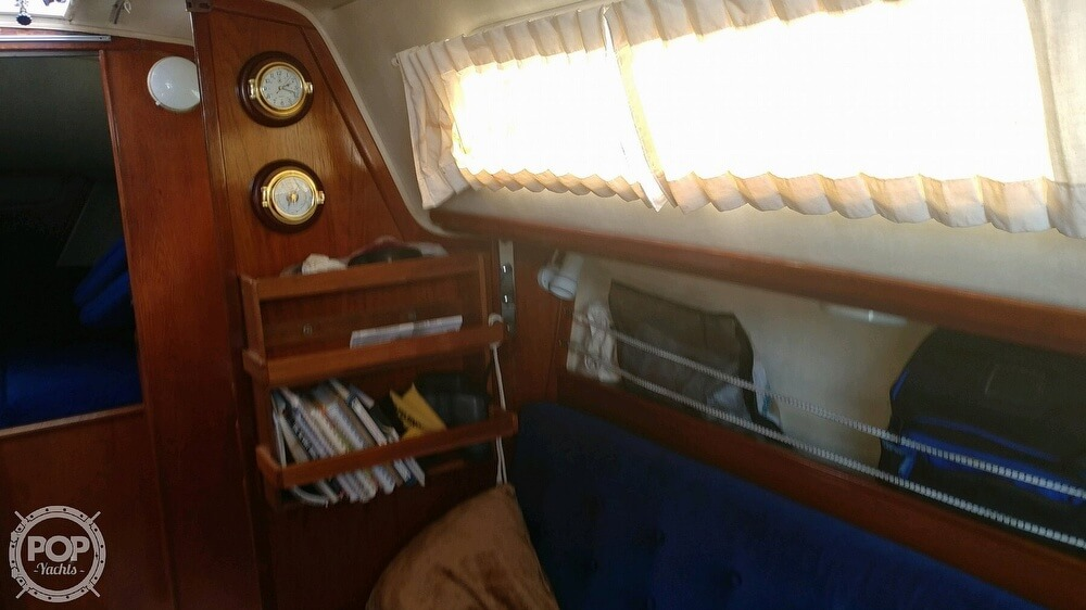 1983 Islander boat for sale, model of the boat is Bahama 30 & Image # 23 of 28