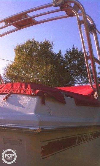 1988 Boston Whaler 2500 Temptation - Photo #20