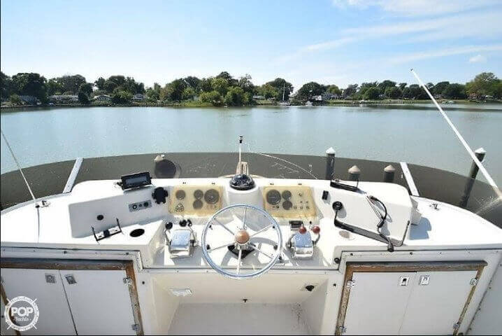 1984 Uniflite boat for sale, model of the boat is 42 & Image # 21 of 27