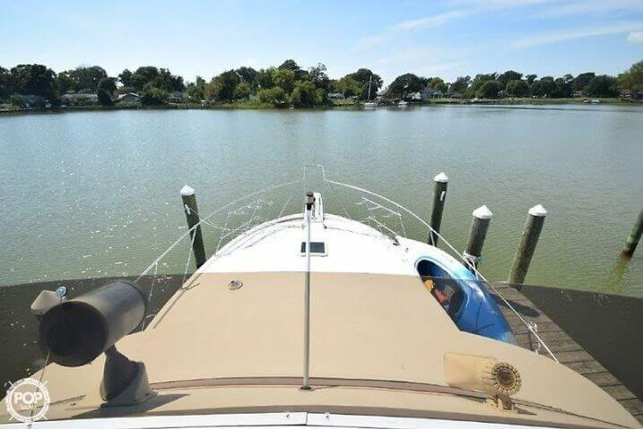 1984 Uniflite boat for sale, model of the boat is 42 & Image # 23 of 27