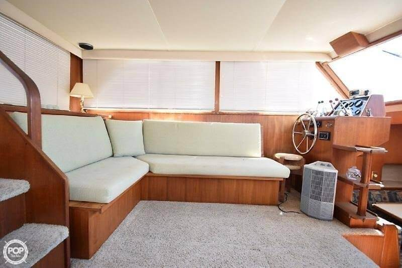 1984 Uniflite boat for sale, model of the boat is 42 & Image # 5 of 27