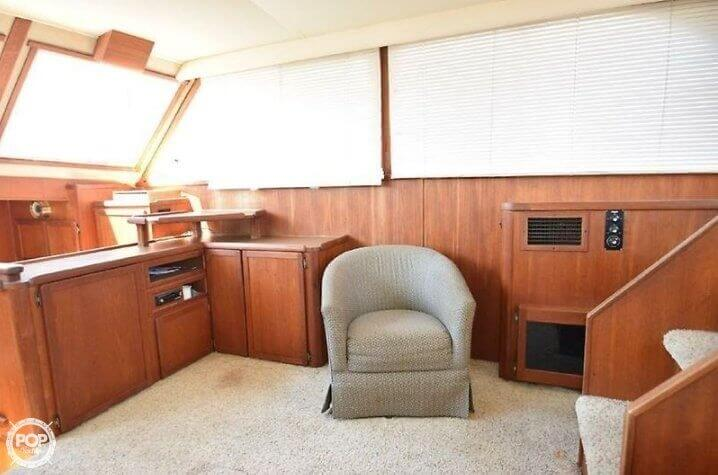 1984 Uniflite boat for sale, model of the boat is 42 & Image # 6 of 27