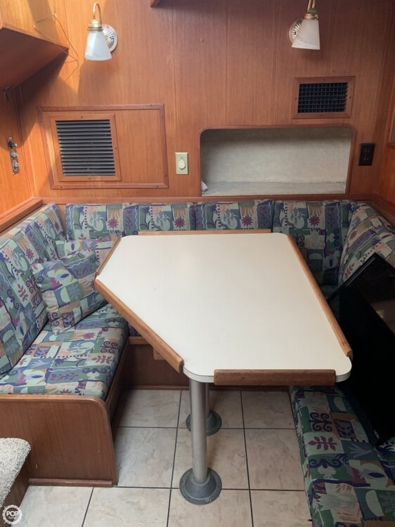1984 Uniflite boat for sale, model of the boat is 42 & Image # 10 of 27