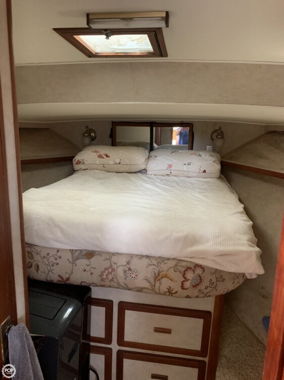 1984 Uniflite boat for sale, model of the boat is 42 & Image # 15 of 27