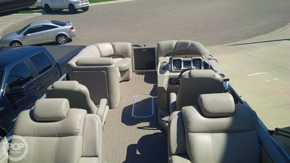 2014 Manitou boat for sale, model of the boat is 25 Legacy SRS SHP & Image # 4 of 14
