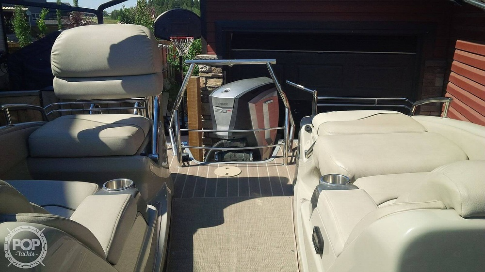 2014 Manitou boat for sale, model of the boat is 25 Legacy SRS SHP & Image # 9 of 14