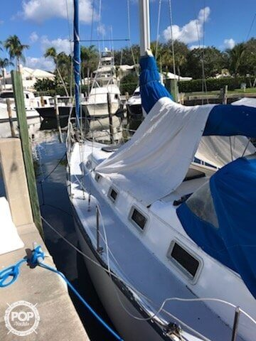 1985 Hunter boat for sale, model of the boat is 36 & Image # 2 of 40