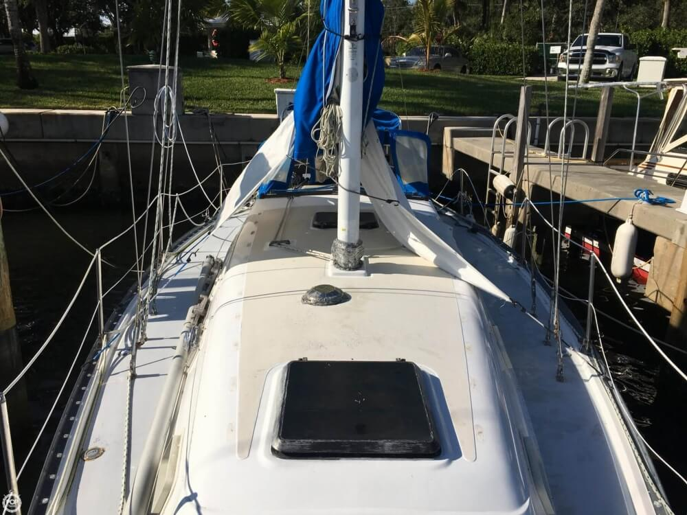 1985 Hunter boat for sale, model of the boat is 36 & Image # 39 of 40
