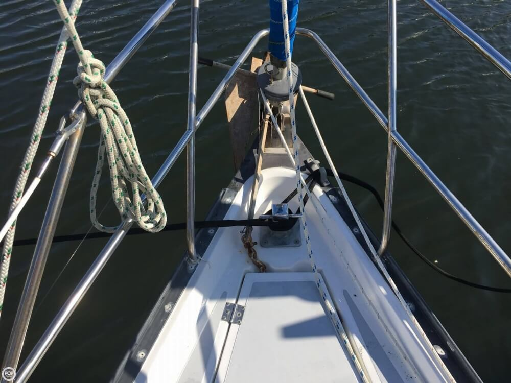 1985 Hunter boat for sale, model of the boat is 36 & Image # 36 of 40