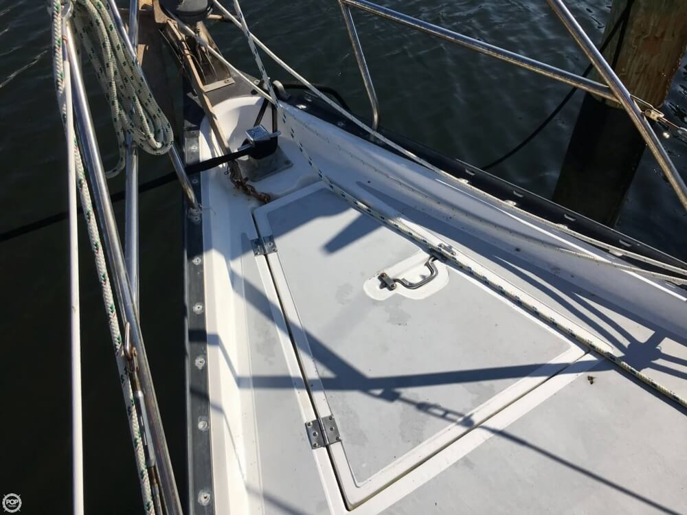 1985 Hunter boat for sale, model of the boat is 36 & Image # 35 of 40