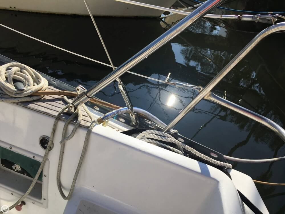 1985 Hunter boat for sale, model of the boat is 36 & Image # 21 of 40