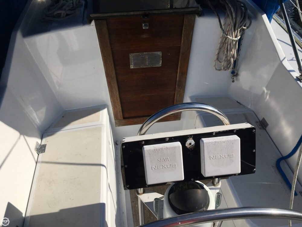 1985 Hunter boat for sale, model of the boat is 36 & Image # 10 of 40