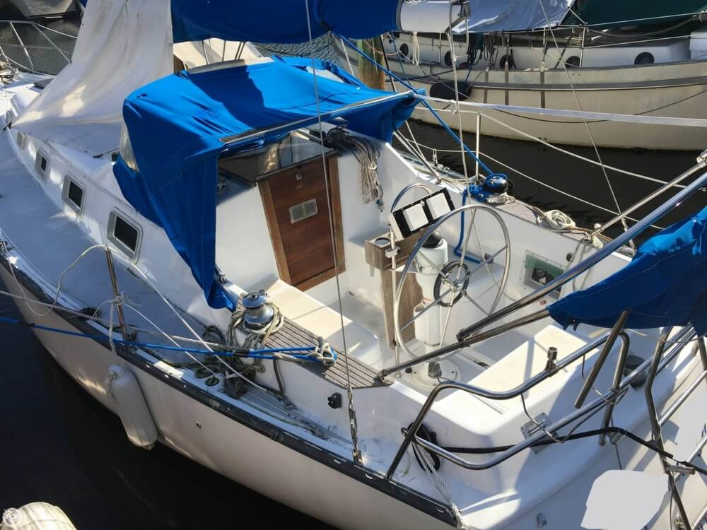 1985 Hunter boat for sale, model of the boat is 36 & Image # 8 of 40