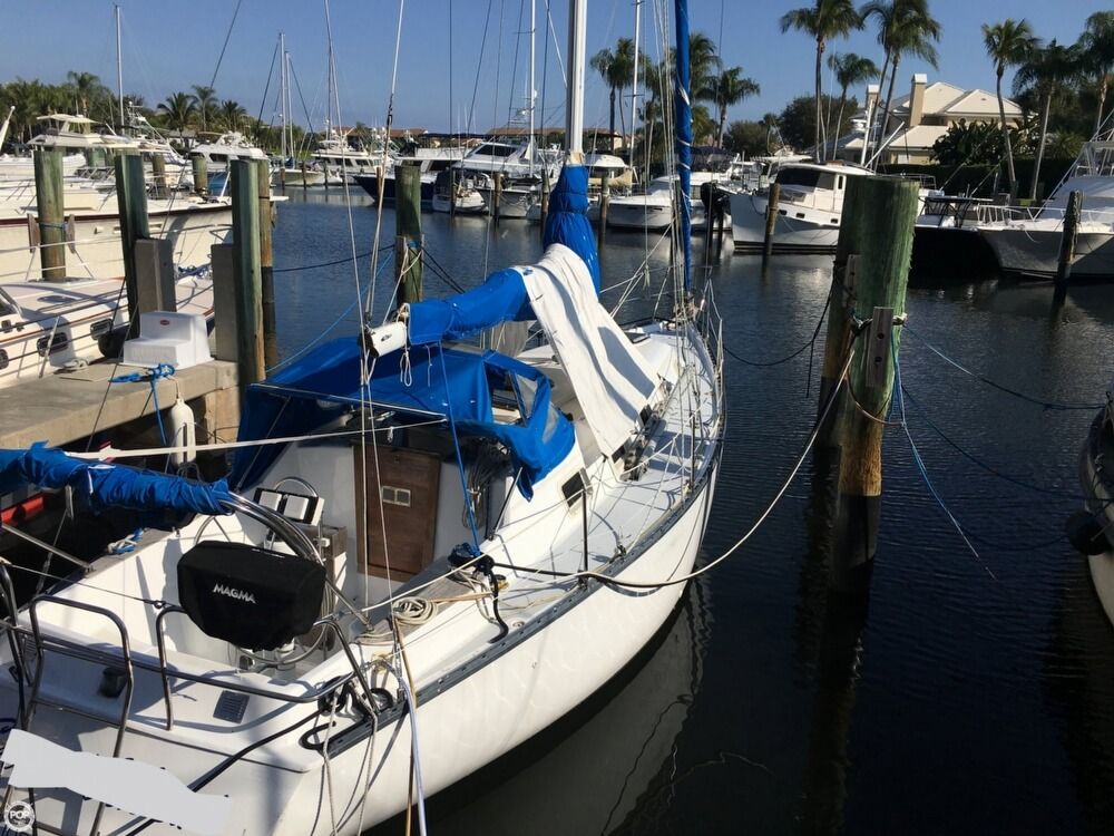 1985 Hunter boat for sale, model of the boat is 36 & Image # 6 of 40