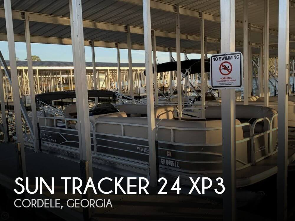 Used Pontoon Boats For Sale by owner | 2017 Sun Tracker 26