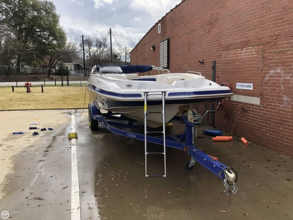 2011 Tahoe boat for sale, model of the boat is 215Xi & Image # 12 of 41