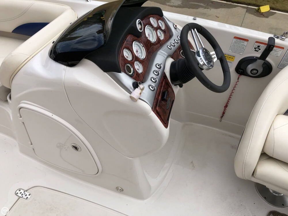 2011 Tahoe boat for sale, model of the boat is 215Xi & Image # 37 of 41