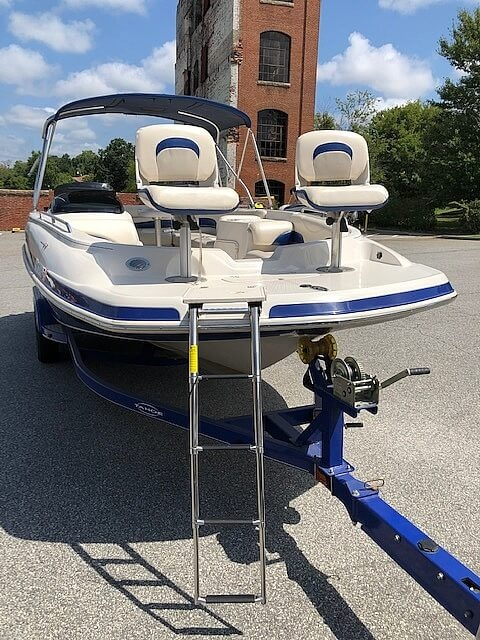 2011 Tahoe boat for sale, model of the boat is 215Xi & Image # 6 of 41