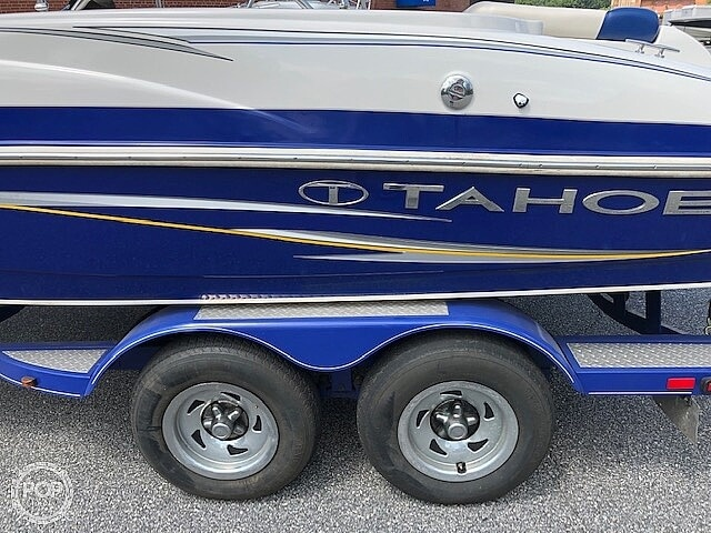 2011 Tahoe boat for sale, model of the boat is 215Xi & Image # 11 of 41