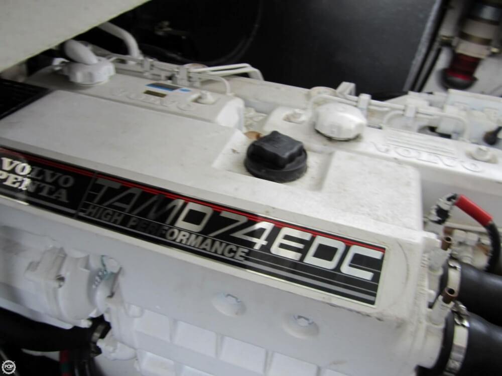 2002 Regal 4260 Commodore - image 15